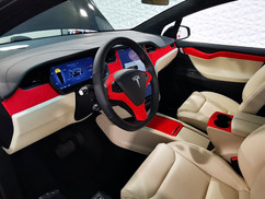 Tesla Model X Rood Alcantara Interieur wrap