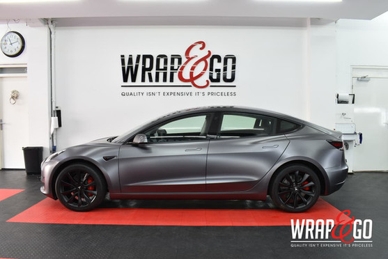 Tesla Model 3 Satin Dark Grey Auto Wrap Zijkant