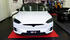 Tesla Model X Wit Ontchromed