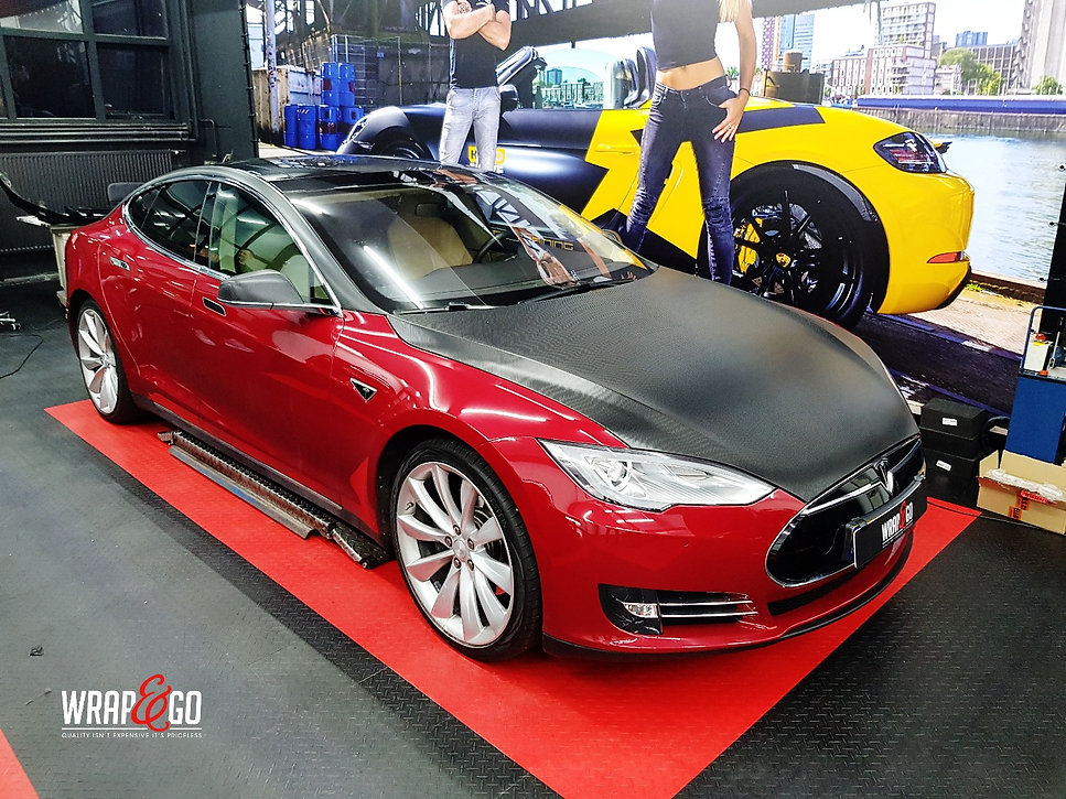 Carwrap Tesla Model S Carbon 3M