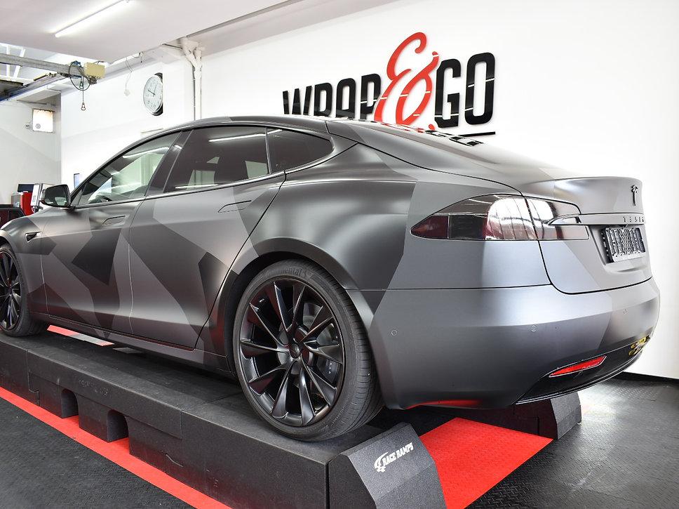 Carwrap Tesla Model S 3M matte Silver WrapAndGo flasher