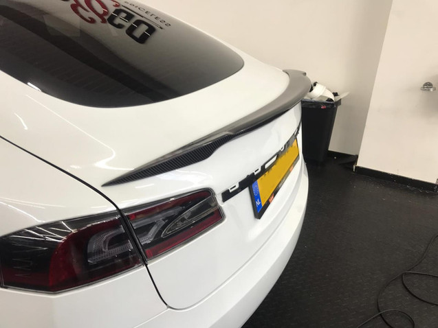 Wing Carbon Spoiler Tesla Model S