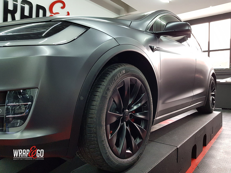 Carwrap Tesla Model X 3M Satin Grey WrapAndGo Side view