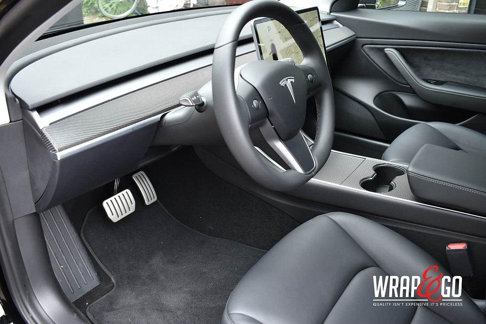 tesla-model3-interior-carbon
