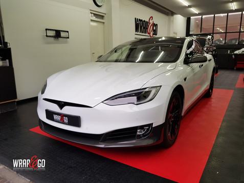 Tesla Model S Gloss Carbon Chrome Delete