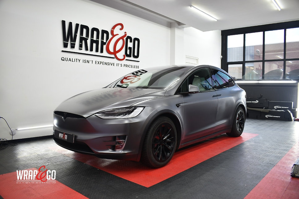 Tesla Model X Carwrap Dark Satin Grey Front
