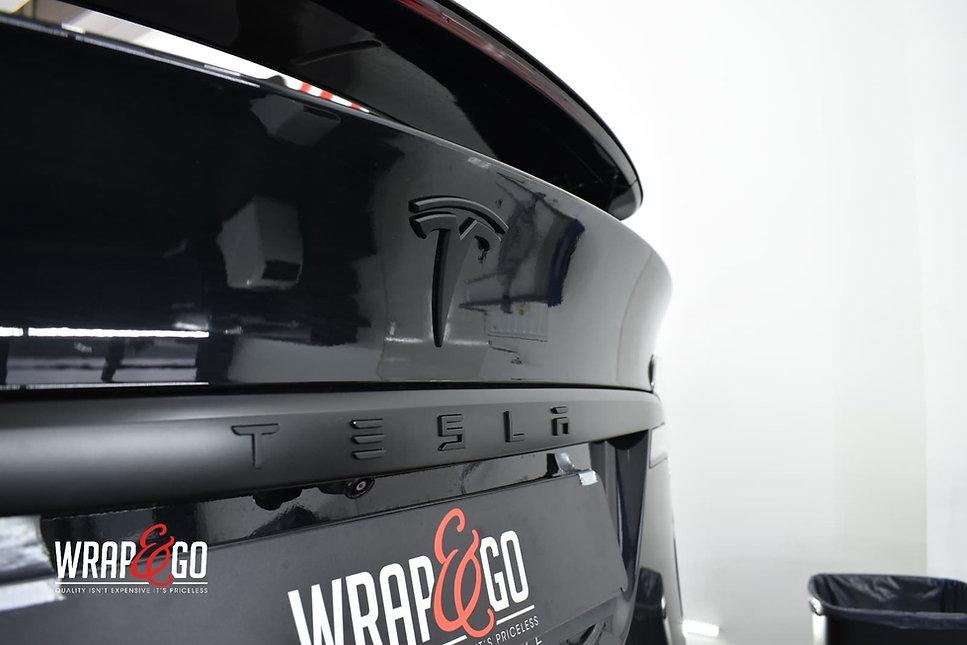 tesla-modelx-chrome-delete-autowrap-logo