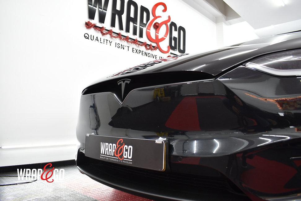 Tesla X Chrome Wrappen Zwart Grill