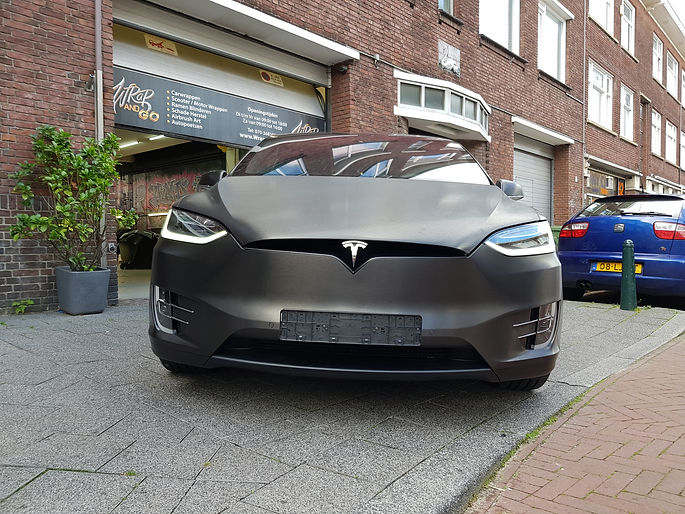 Carwrap Tesla Model X 3M Brushed Black Autowrap