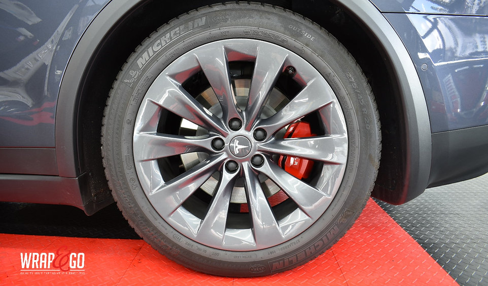 Tesla Model X Carwrap Remklauwen Spuiten
