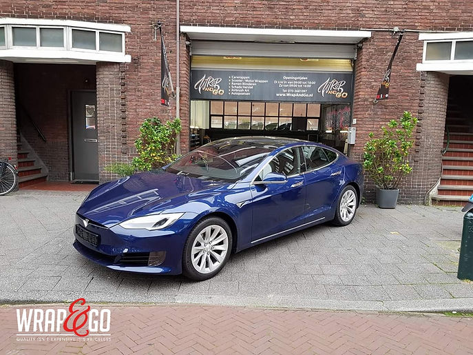 Carwrap Tesla Model S 3M Matte Army Green Autowrap Before
