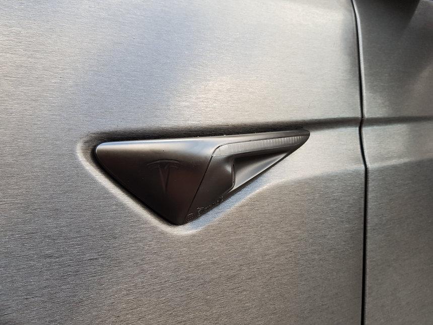 Tesla Model X 3M Brushed Black Knipperlicht