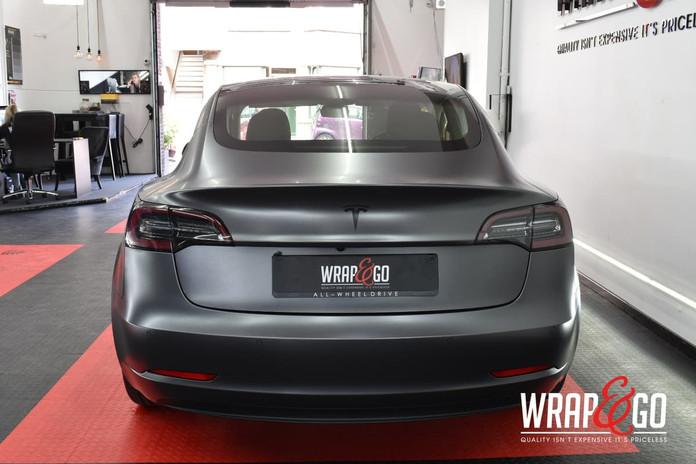 Tesla Model 3 Satin Dark Grey Auto Wrap Achterkant