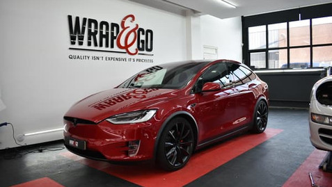tesla-modelx-red-chrome-delete-gloss-black