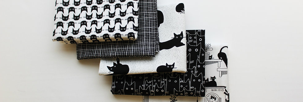 Les Chats Noirs Fat Quarter Bundle