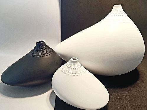 """3 black and white """"pollo"""" by Tapio Wirkkala"""