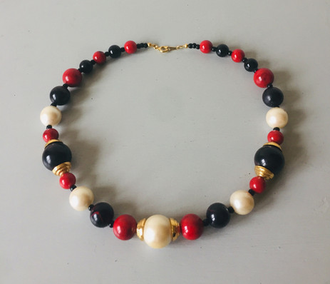 60/70s Lucite and Pearl Bead Necklace