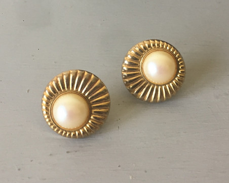 SOLD 70s Pearl and Goldtone Stud Earrings for Pierced Ears