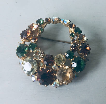 SOLD 50s Rhinestone Wreath Brooch
