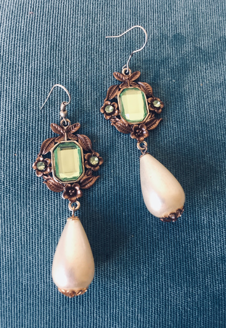 SOLD 80s Antiqued Goldtone Drop Pearl Earrings with Faceted Lucite Centerpiece for Pierced Ears