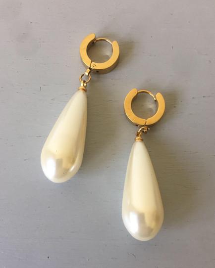SOLD 80s Chunky Pearl Drop Earrings for Pierced Ears