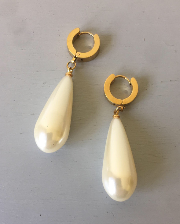 80s Chunky Pearl Drop Earrings for Pierced Ears