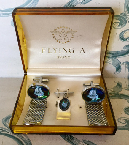 Vintage Set of Cufflinks and Tie Pin