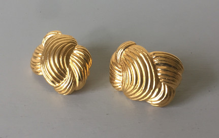 60/70s Goldtone Weave Clip on Earrings