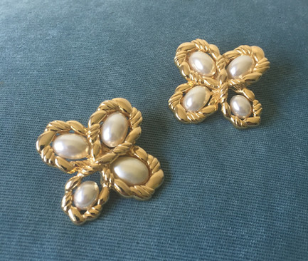 SOLD 80s Huge Goldtone and Pearl Clip On Earrings