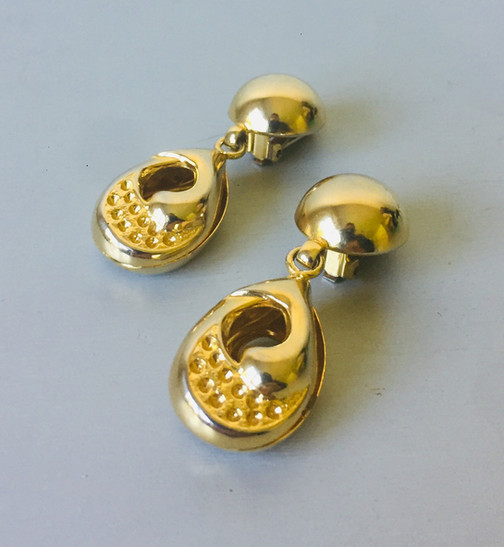 70s Large Goldtone Drop Clip On Earrings