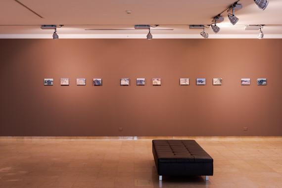 """Vista da exposição """"Areia Líquida"""". / Exhibition view DMF 2020"""