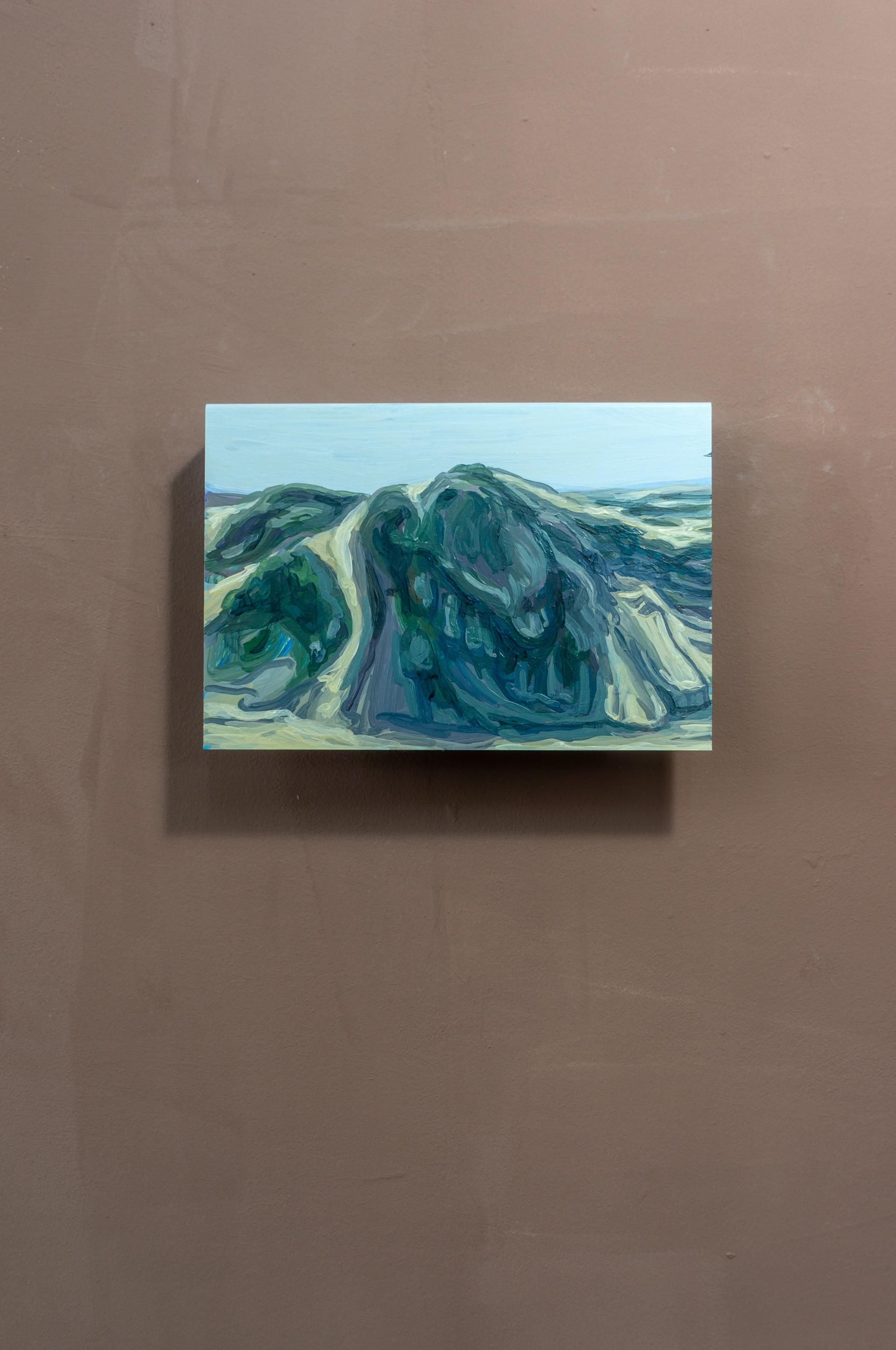 Dune #2, Acrylic on folded iron, 15 x 22 x 5 cm (2019)