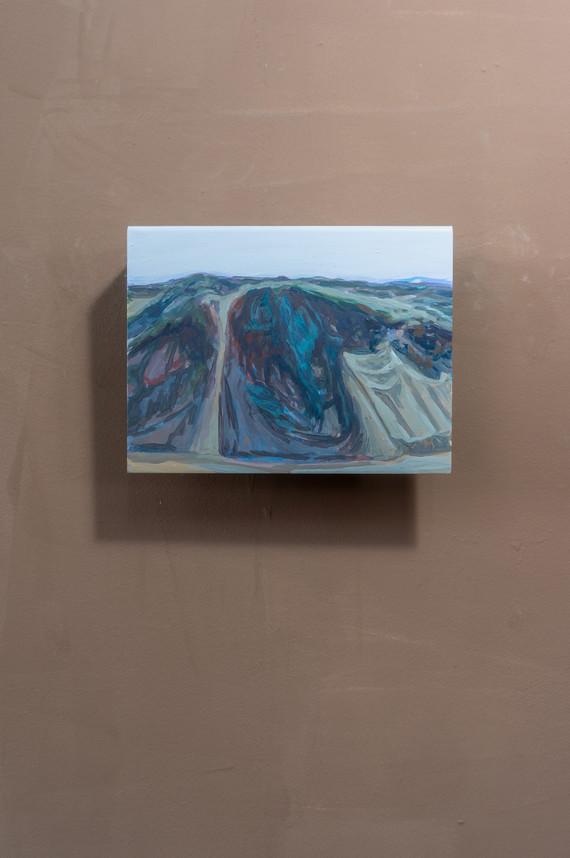 Dune #3, Acrylic on folded iron, 15 x 22 x 5 cm (2019)