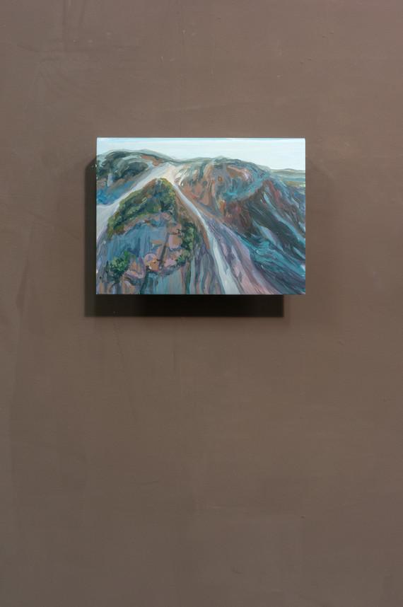 Dune #4, Acrylic on folded iron, 15 x 22 x 5 cm (2019)