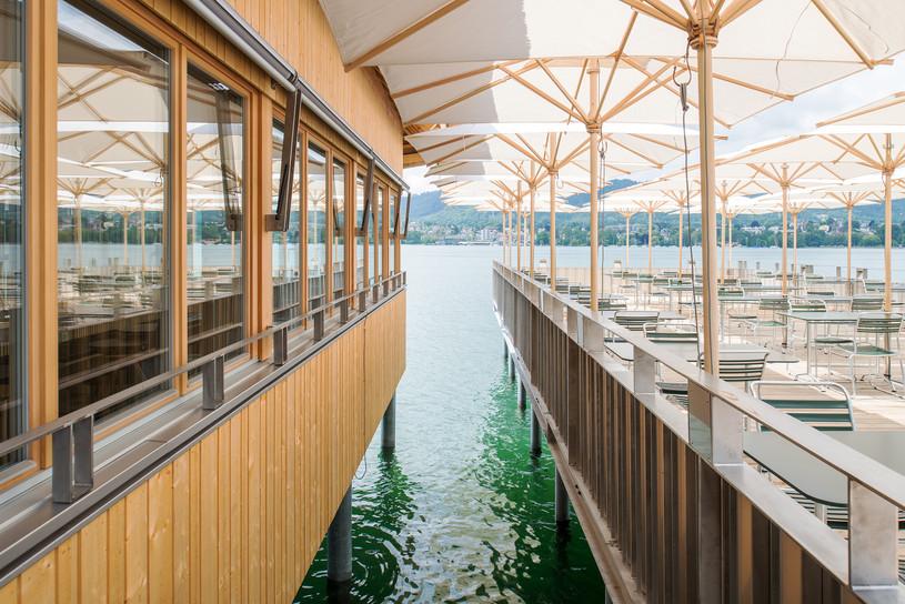 Lounge-Zürisee-Seeterrasse / Quelle: Amt für Städtebau © Juliet Haller