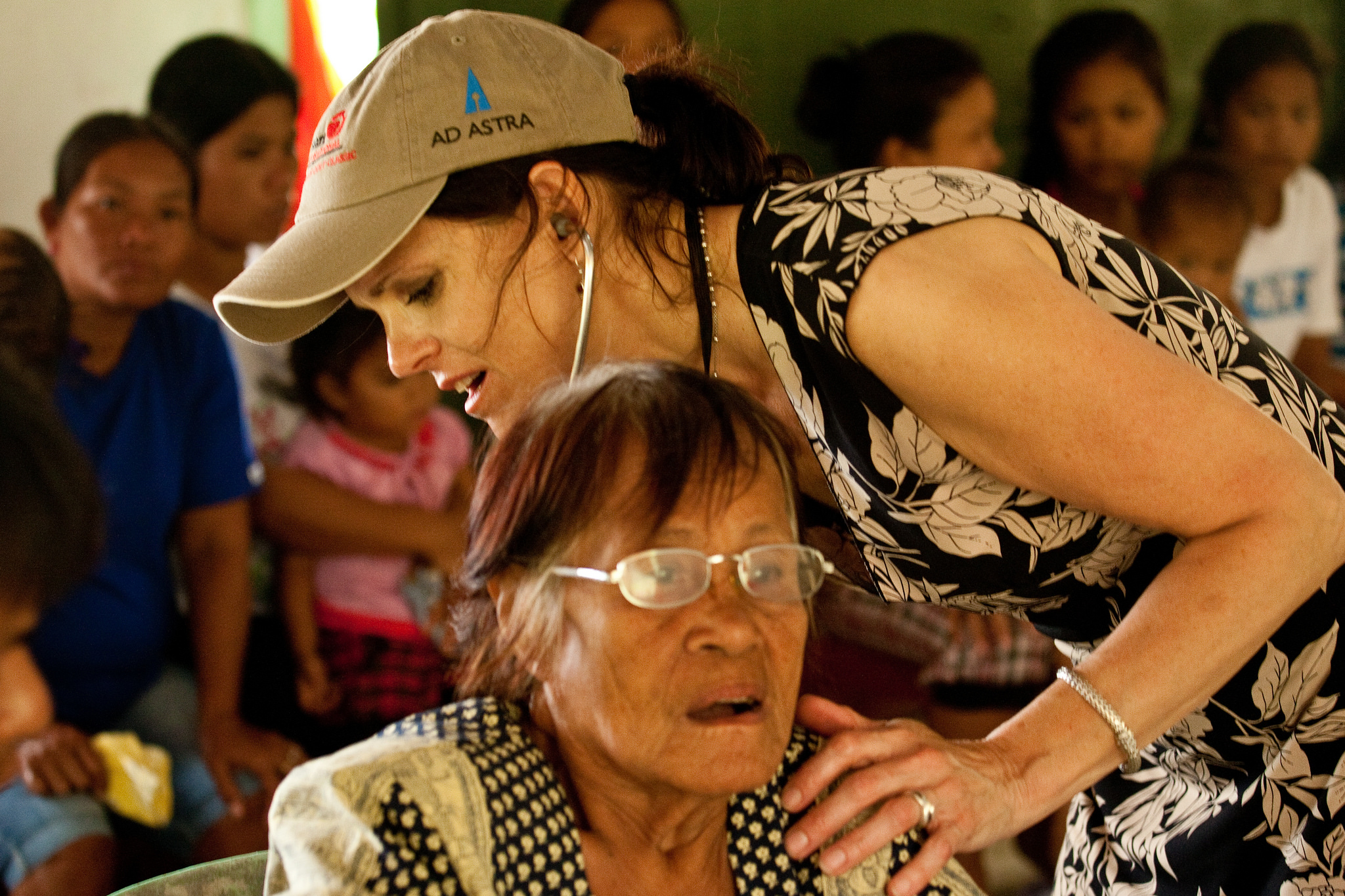 Phillipines - Nancy with woman
