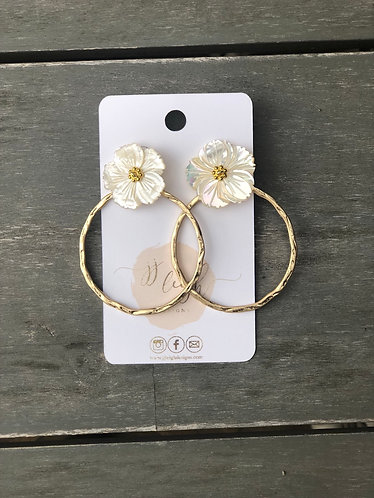 White daisy hoops