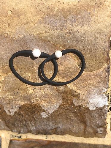 Black silicone pearls