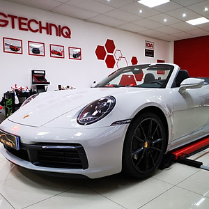 Porsche 992 Carrera 4 Cabriolet