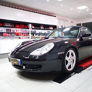 Porsche 996 Carrera 4 Cabriolet