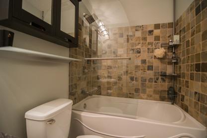 bath2 (1 of 1).jpg
