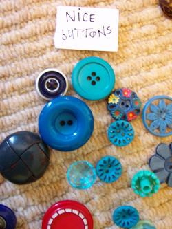 buttons = close-up nice
