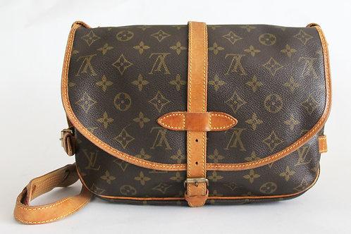 Louis Vuitton Saumur 28 Messenger Bag in Monogram Comes with Louis Vuitton dust