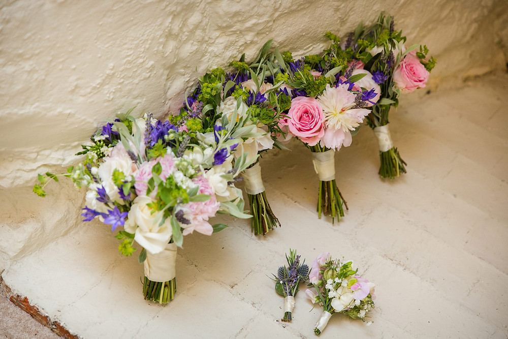 Wedding flowers, bouquets and button holes by Francesca Sharp Flowers, Surrey wedding florists