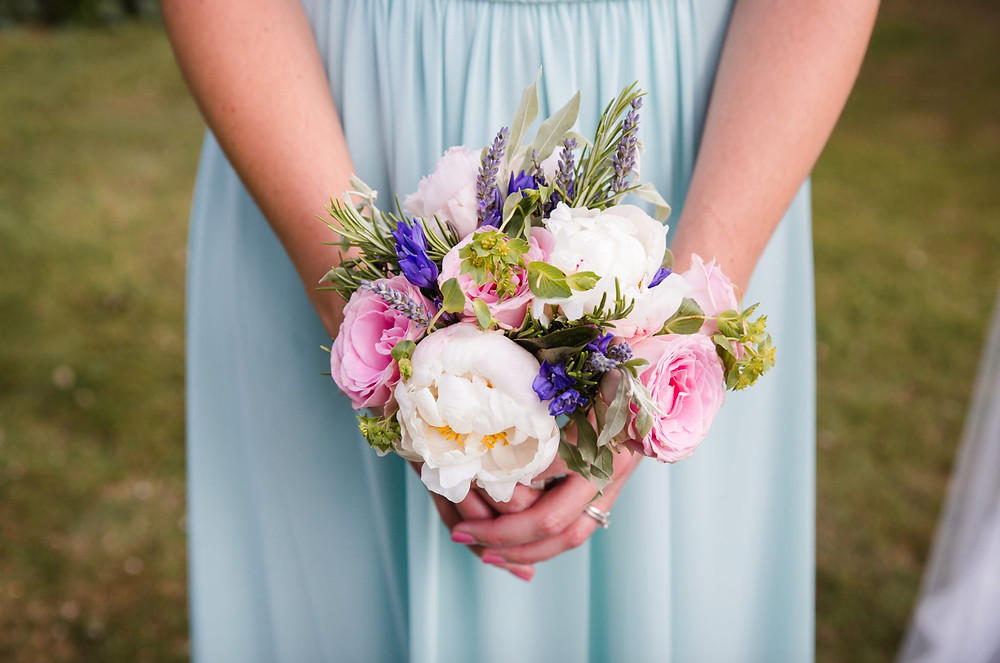 Wedding flowers by Francesca Sharp Flowers