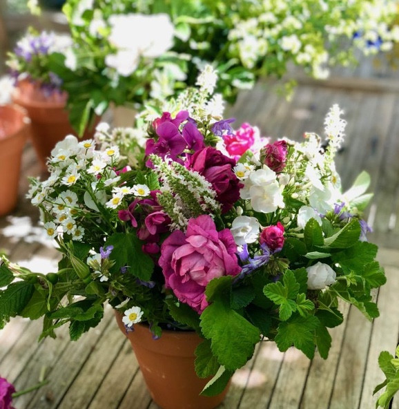 Finish with delicate seasonal blooms says Francesca Sharp Flowers