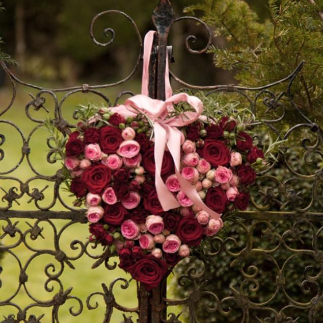 Heart on fence.jpeg