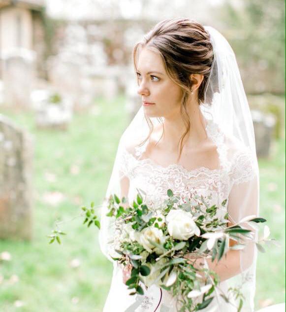 A loose brides bouquet