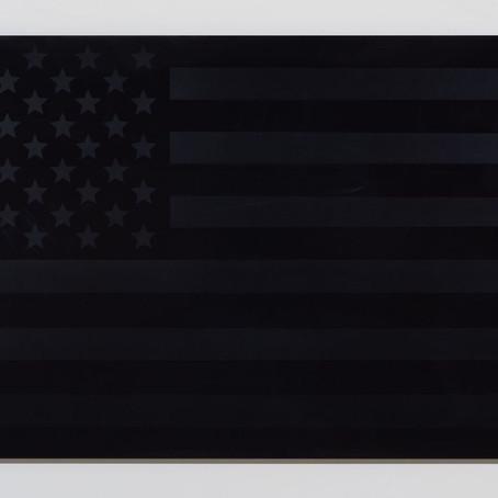 4 de Julio: La Bandera Negra de Estados Unidos. Obra de Rubén Ortiz-Torres