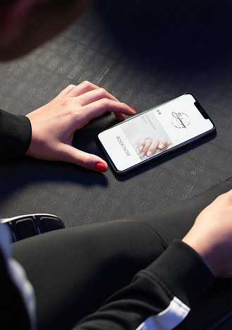 mockup-of-a-fitness-girl-lying-her-iphon